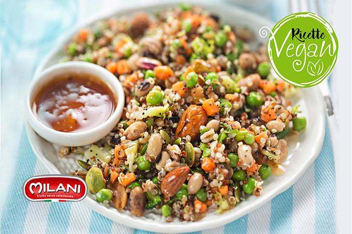 Insalata di quinoa, farro e frutta secca